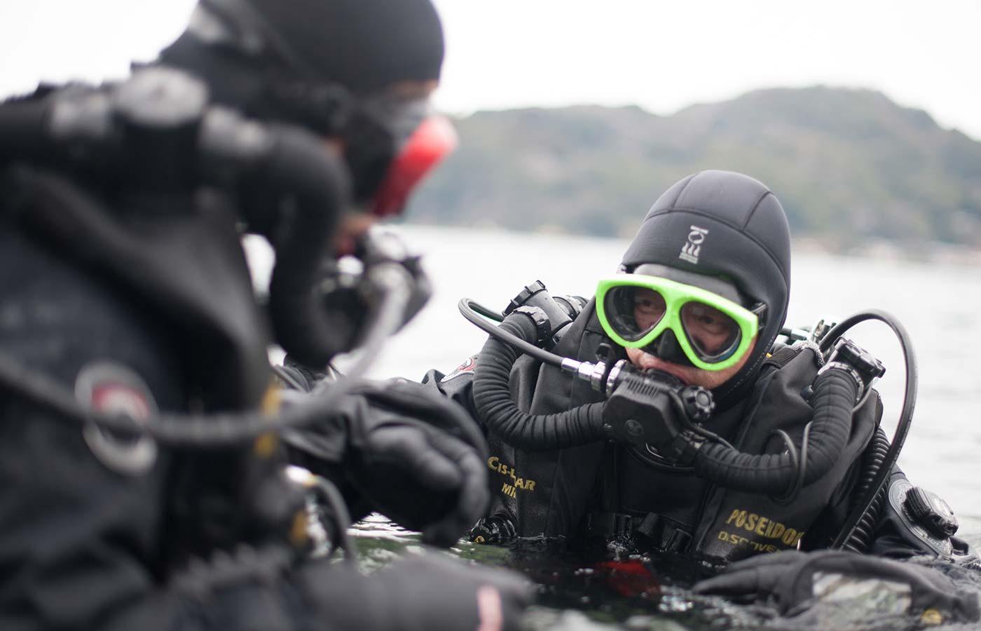 リブリーザー潜水士